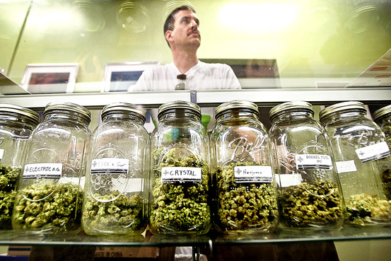 Las Vegas council sets rules for medical marijuana dispensaries